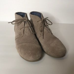 Toms tan/gray ankle boots